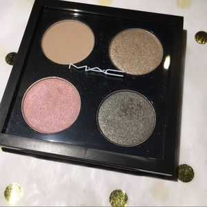 Mac Eyeshadow x 4 'Caviar Dreams.'